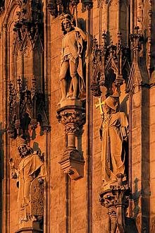 The portal of St. Wenceslas Cathedral is guarded by the statues of the brothers Cyril and Methodius, source: Archiv Vydavatelství MCU s.r.o., ...